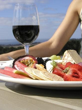 Conoce los wine tours Barcelona Montserrat y Golf