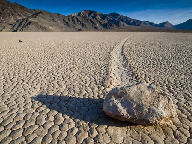 Rocas en Racetrack Playa